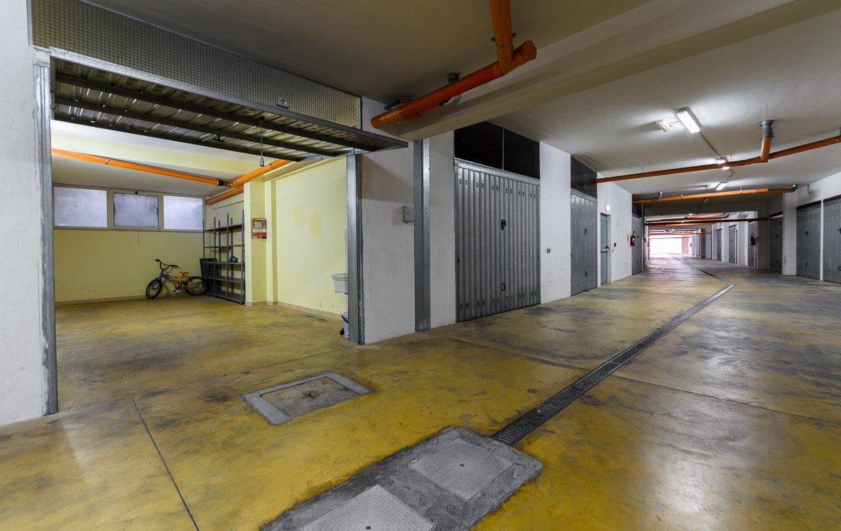 Foto 1 - Box/garage in Vendita a Manfredonia - Via Vailati