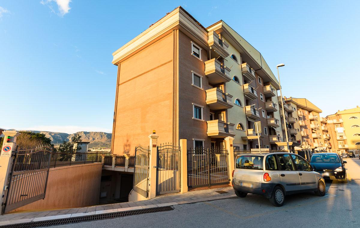 Foto 3 - Box/garage in Vendita a Manfredonia - Via Vailati