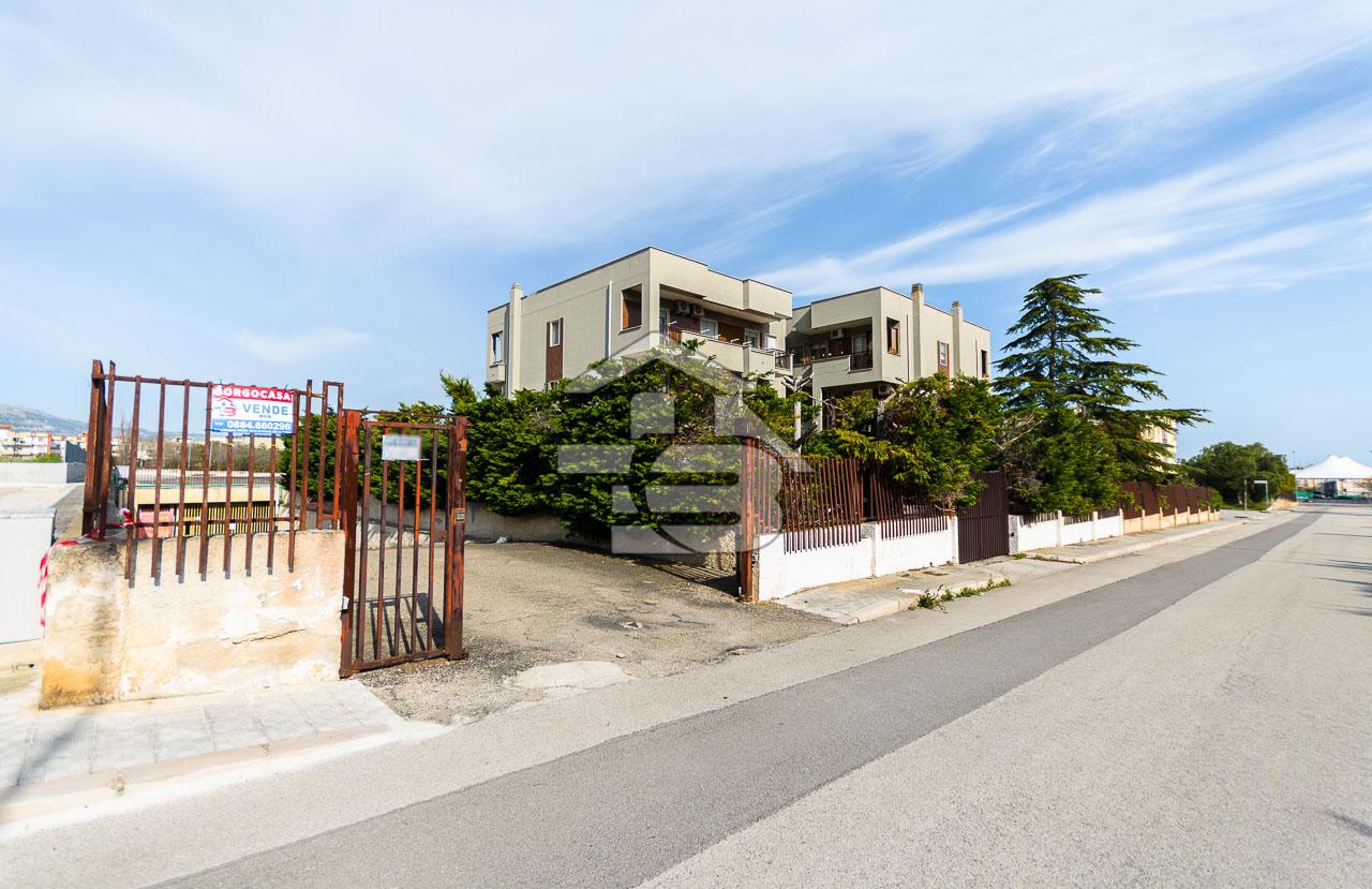 Foto 1 - Box/garage in Vendita a Manfredonia - Via Tenente Sinigaglia