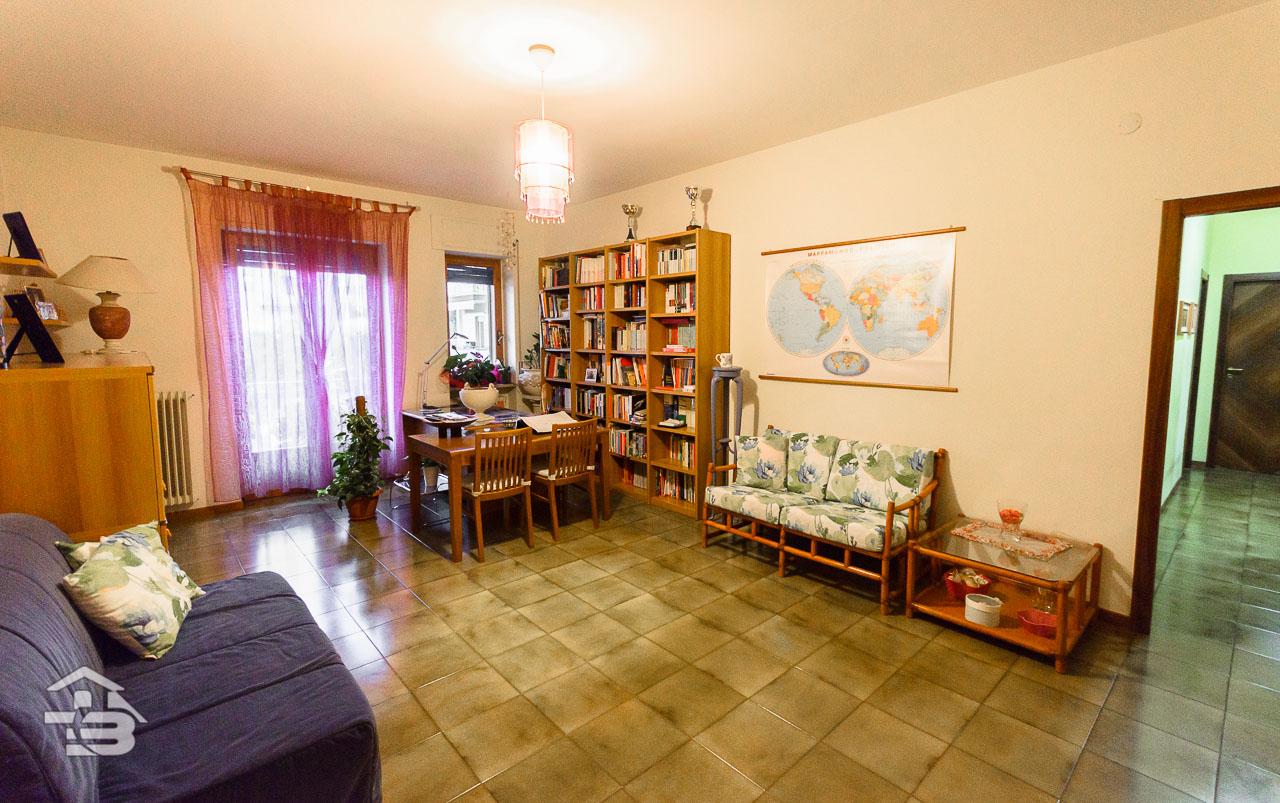 Foto 4 - Appartamento in Locazione a Manfredonia - Via Giuseppe di Vittorio