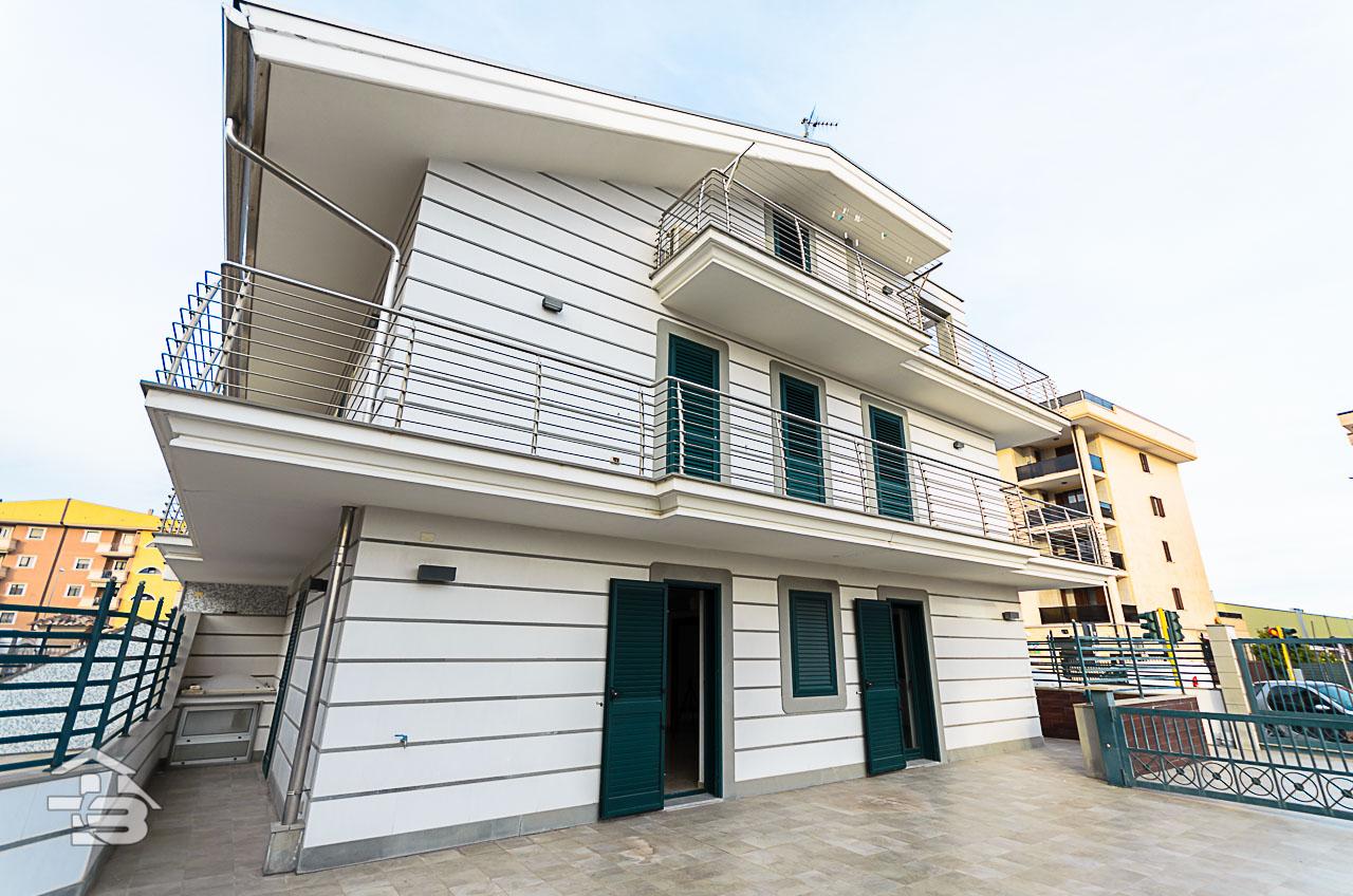 Foto 1 - Piano rialzato con giardino in Vendita a Manfredonia - Via Michele Magno