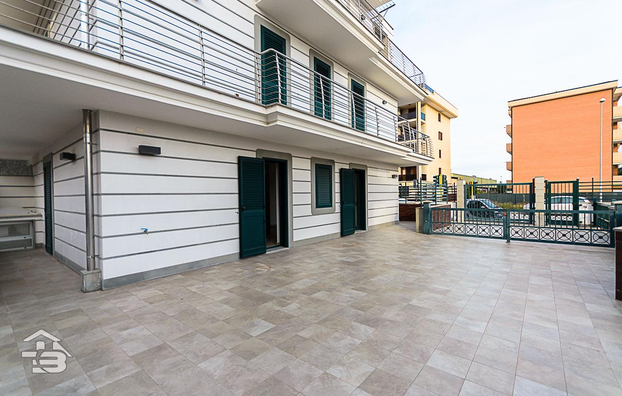 Foto 14 - Piano rialzato con giardino in Vendita a Manfredonia - Via Michele Magno