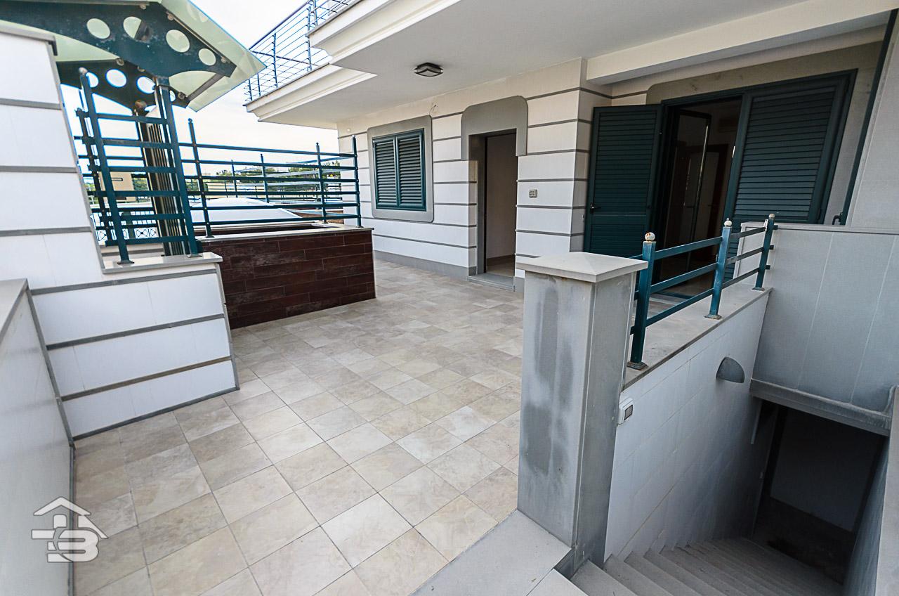 Foto 17 - Piano rialzato con giardino in Vendita a Manfredonia - Via Michele Magno