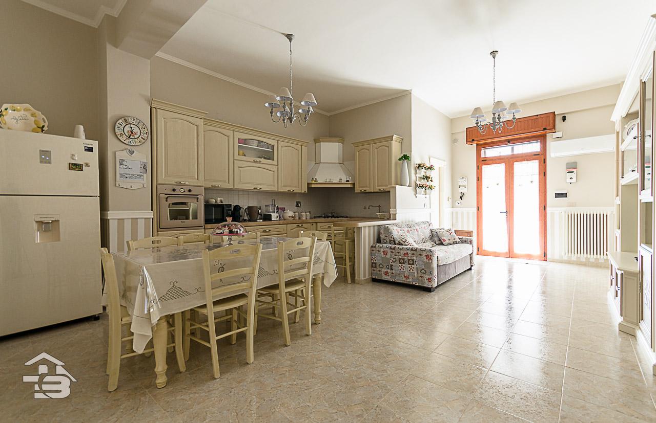 Foto 1 - Appartamento in Vendita a Manfredonia - Vicolo Gorizia