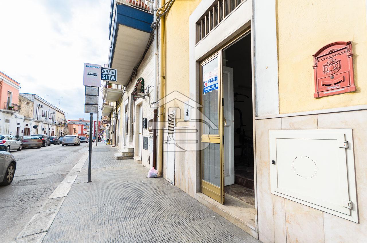 Foto 1 - Pianterreno in Vendita a Manfredonia - Via delle Antiche Mura