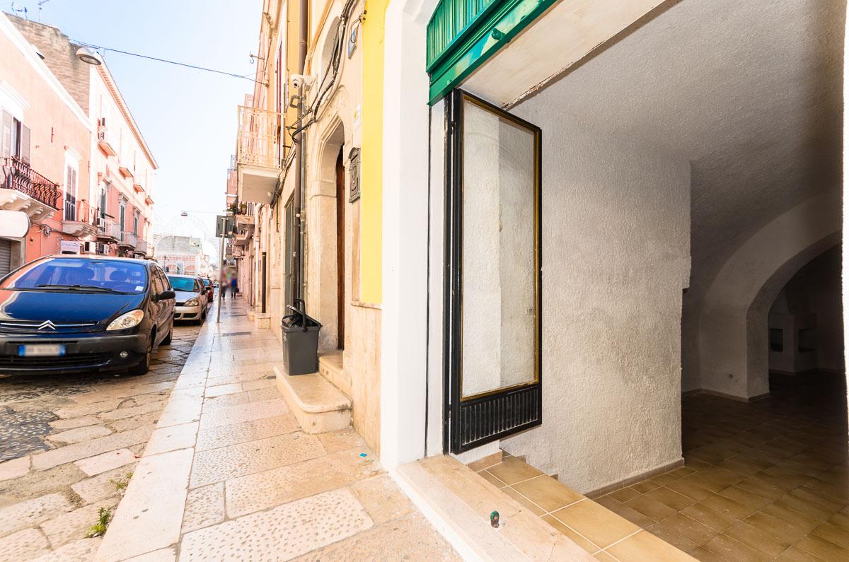 Foto 3 - Pianterreno in Vendita a Manfredonia - Corso Roma
