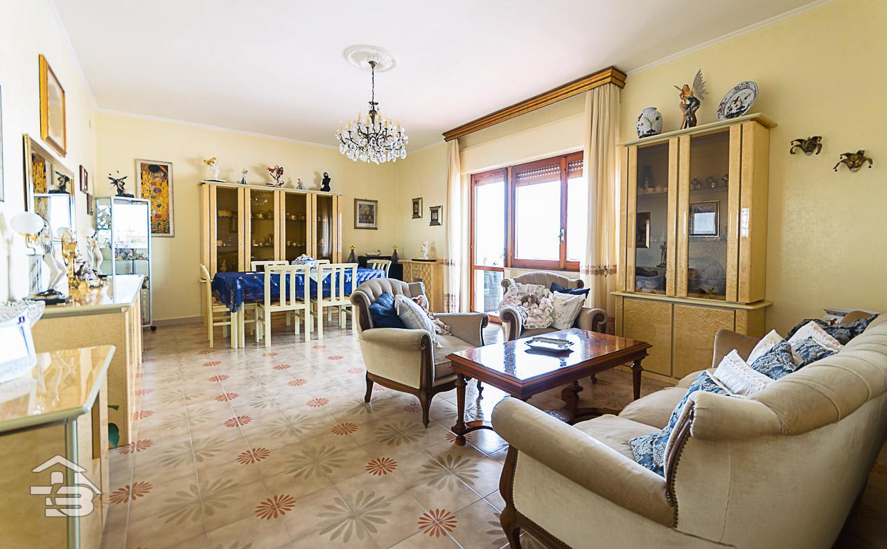 Foto 1 - Appartamento in Vendita a Manfredonia - Via Tribuna