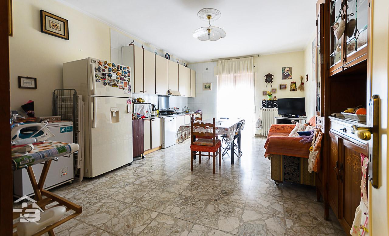 Foto 4 - Appartamento in Vendita a Manfredonia - Via Tribuna