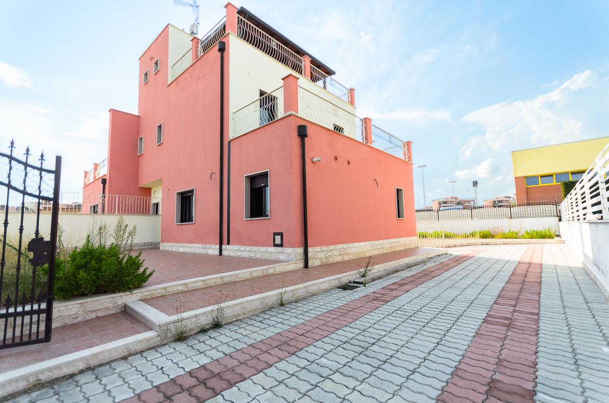 Foto 2 - Villa in Vendita a Manfredonia - viale mediterraneo