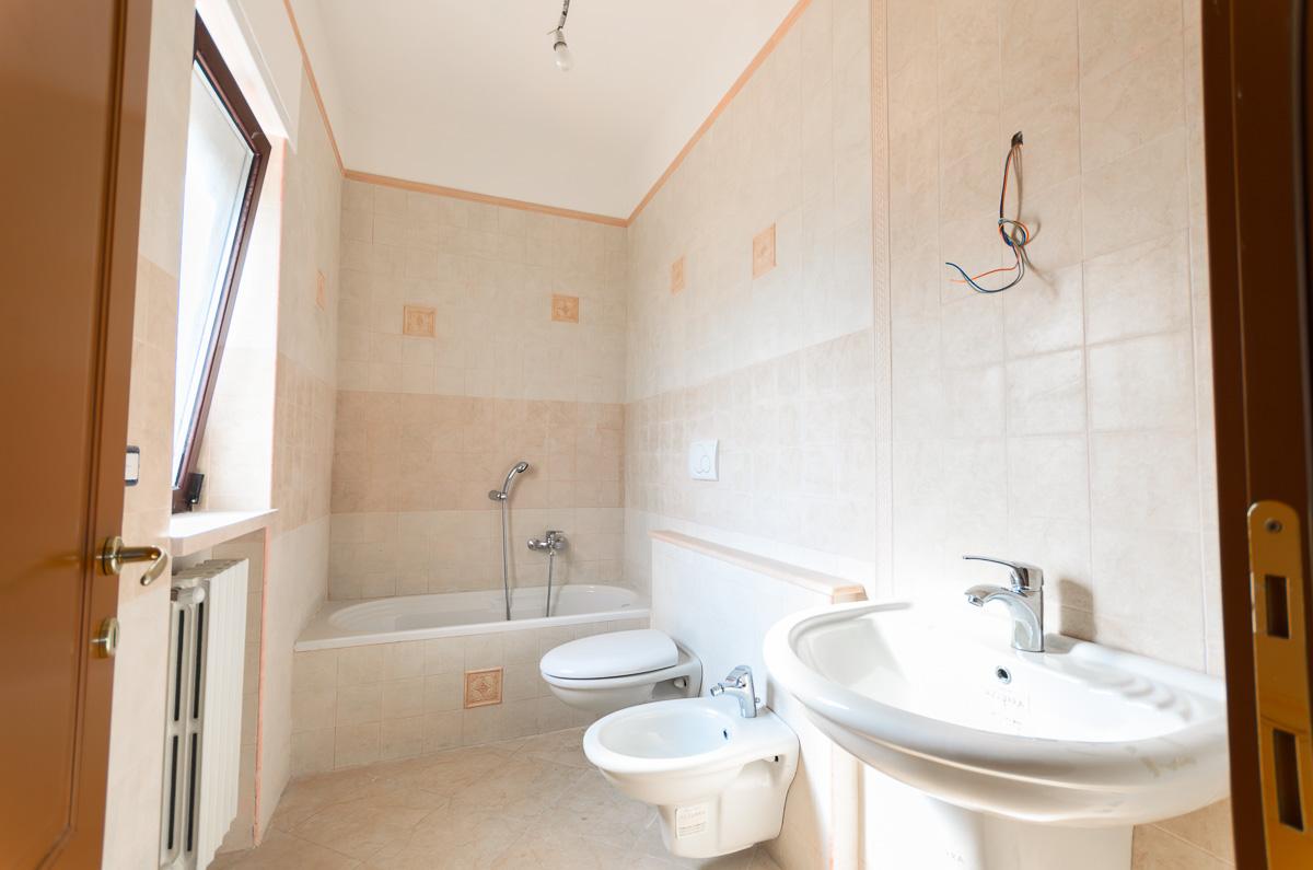 Foto 11 - Villa in Vendita a Manfredonia - viale mediterraneo