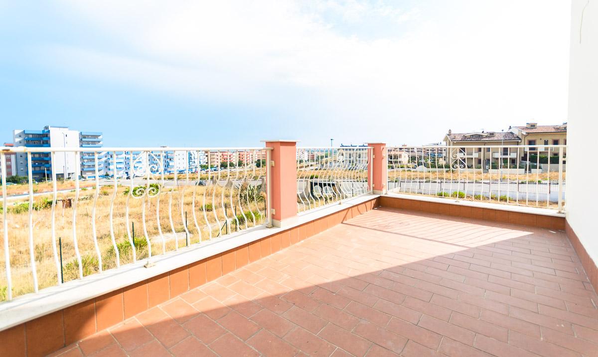 Foto 14 - Villa in Vendita a Manfredonia - viale mediterraneo