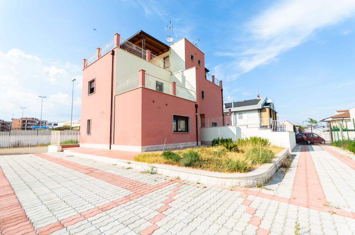 Foto 4 - Villa in Vendita a Manfredonia - viale mediterraneo