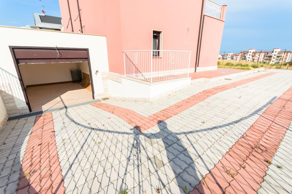 Foto 5 - Villa in Vendita a Manfredonia - viale mediterraneo