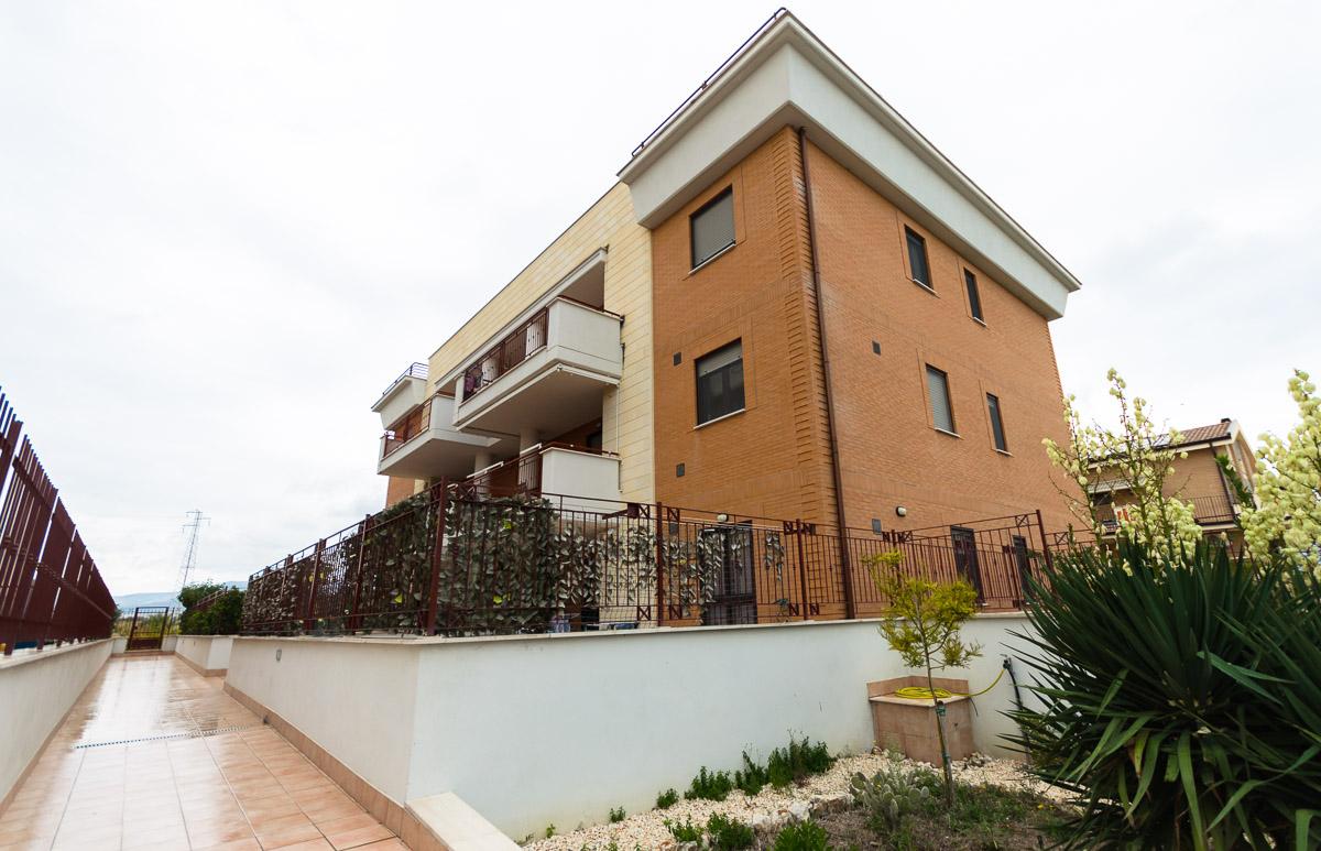 Foto 1 - Piano rialzato con giardino in Vendita a Manfredonia - Via Tommasi da Lampedusa