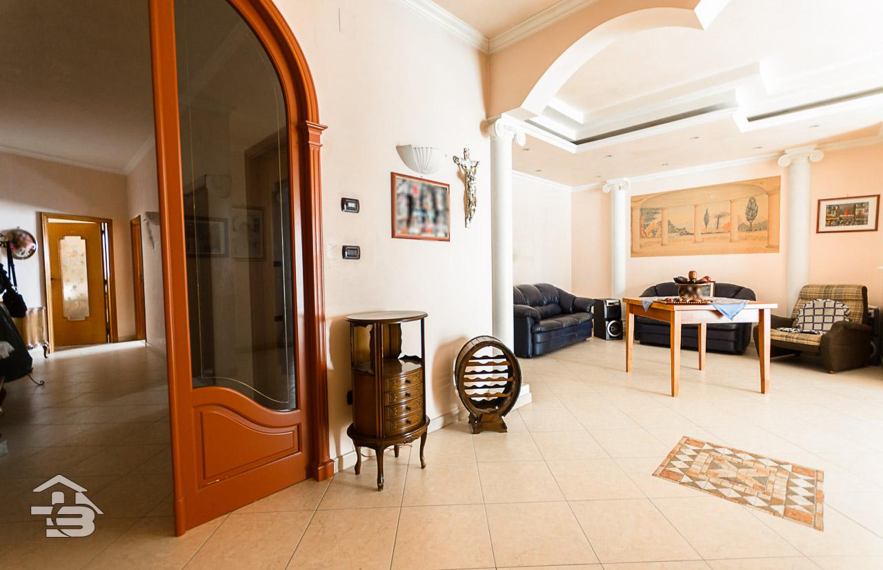 Foto 5 - Appartamento in Vendita a Manfredonia - Via Luigi Allegato