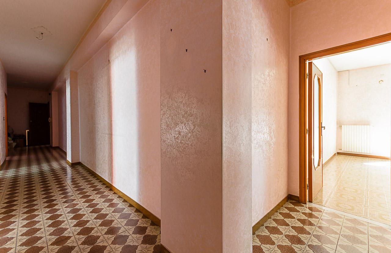 Foto 10 - Appartamento in Vendita a Manfredonia - Via Ospedale San Lazzaro