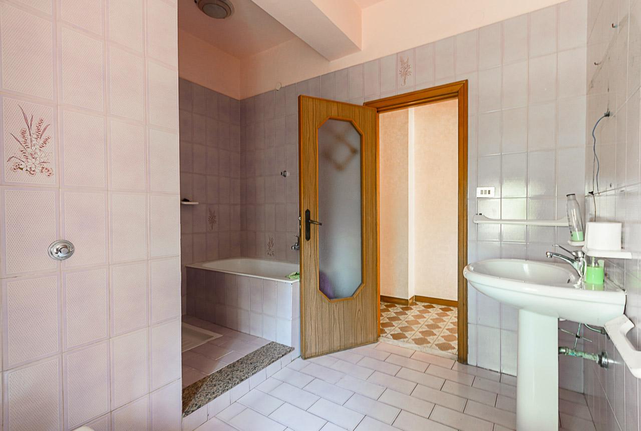 Foto 16 - Appartamento in Vendita a Manfredonia - Via Ospedale San Lazzaro