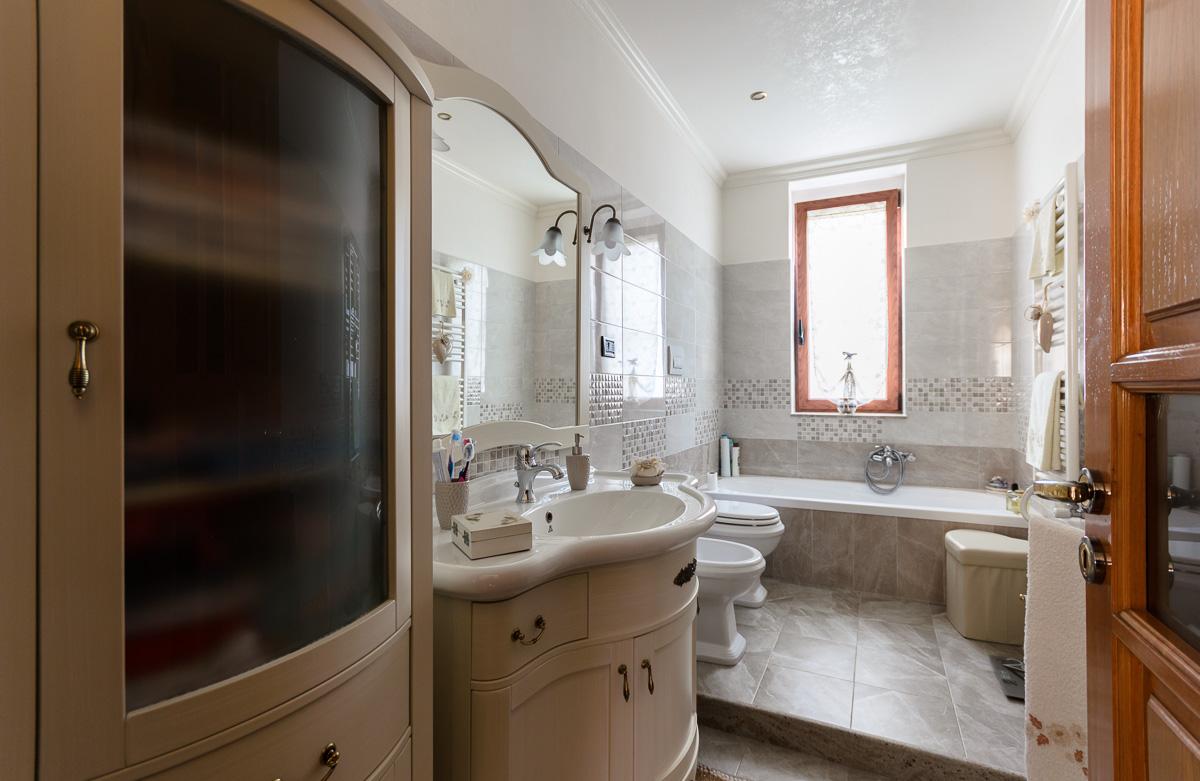 Foto 11 - Appartamento in Vendita a Manfredonia - Via Matteo Fraccacreta