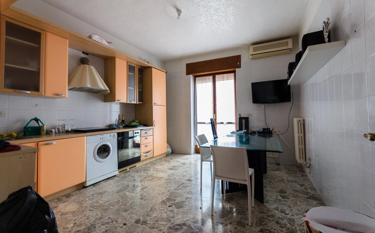 Foto 3 - Appartamento in Vendita a Manfredonia - Via Giacomo Leopardi