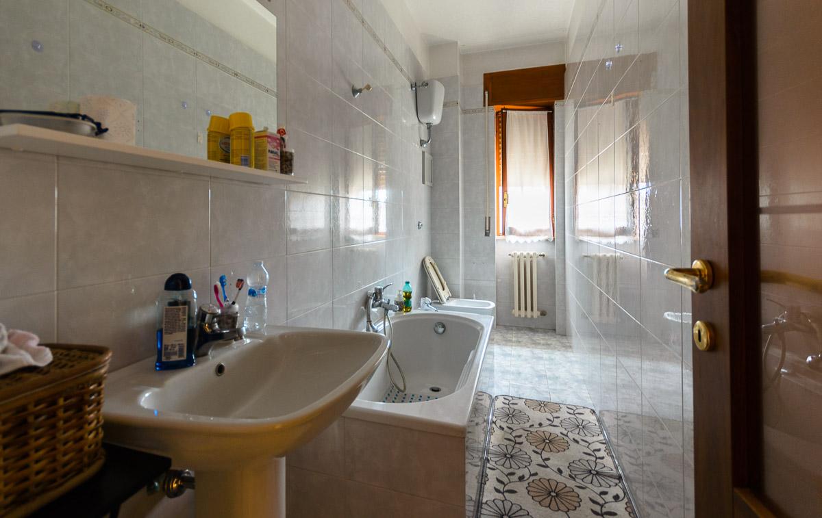Foto 10 - Appartamento in Vendita a Manfredonia - Via Giacomo Leopardi