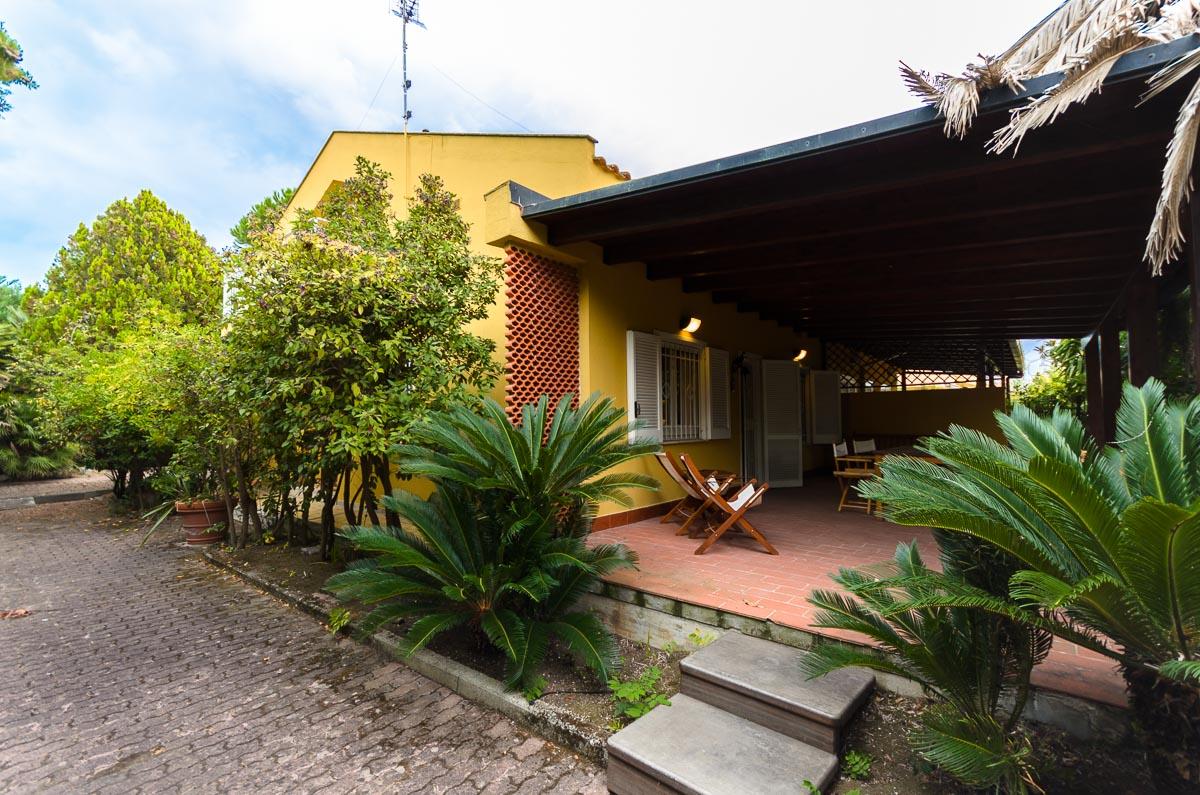 Foto 1 - Villa in Vendita a Manfredonia - Sciale degli Zingari