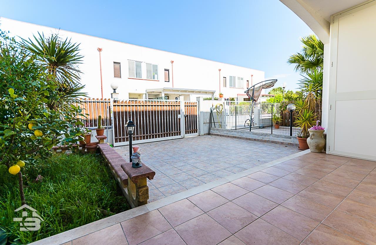 Foto 3 - Piano rialzato con giardino in Vendita a Manfredonia - Sciali di Lauro Via delle Allodole