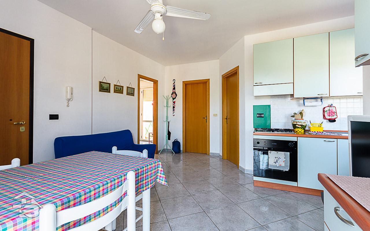 Foto 9 - Appartamento in Vendita a Manfredonia - Via Oceano Pacifico
