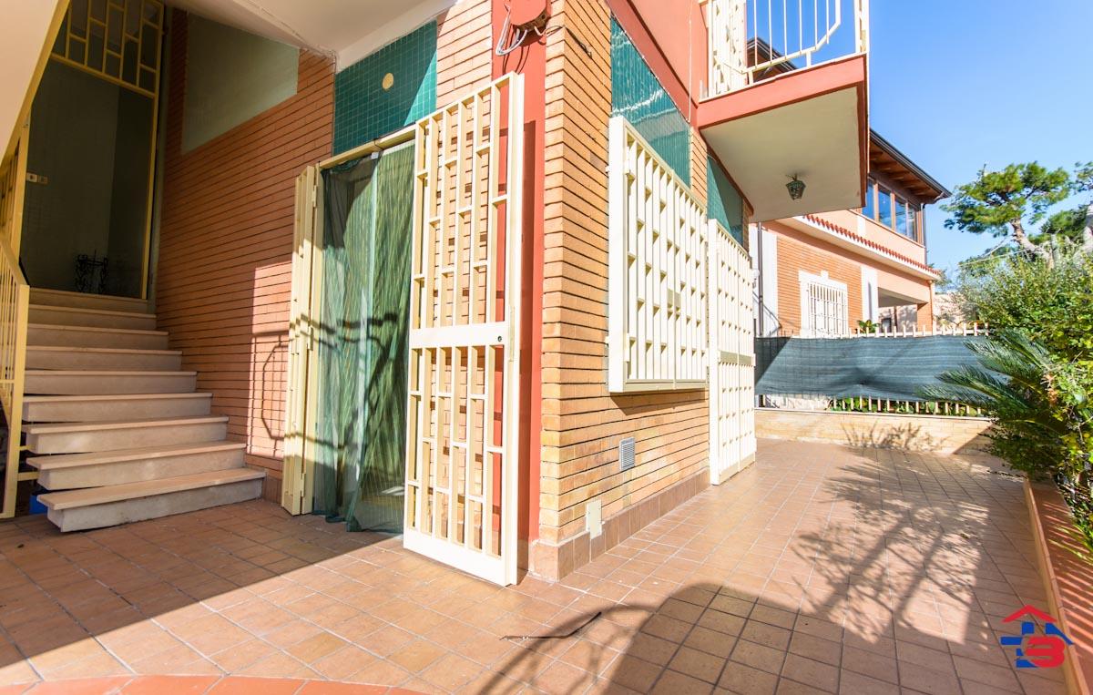 Foto 10 - Piano rialzato con giardino in Vendita a Manfredonia - Lungomare del Sole