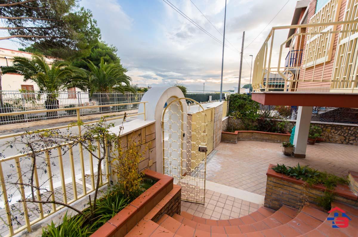 Foto 9 - Piano rialzato con giardino in Vendita a Manfredonia - Lungomare del Sole