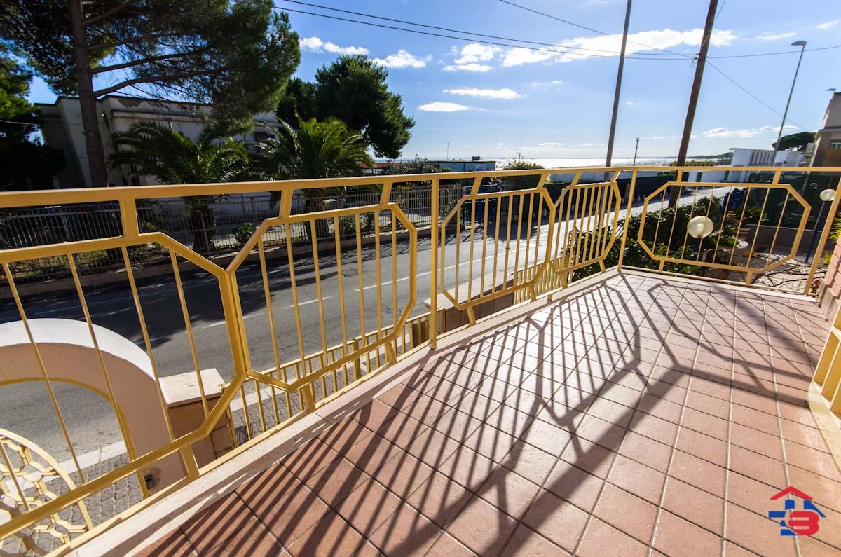 Foto 5 - Appartamento in Vendita a Manfredonia - Lungomare del Sole