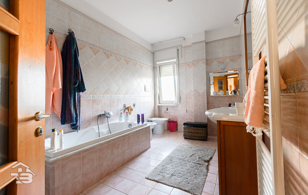 Foto 8 - Appartamento in Vendita a Manfredonia - Piazzale Penati