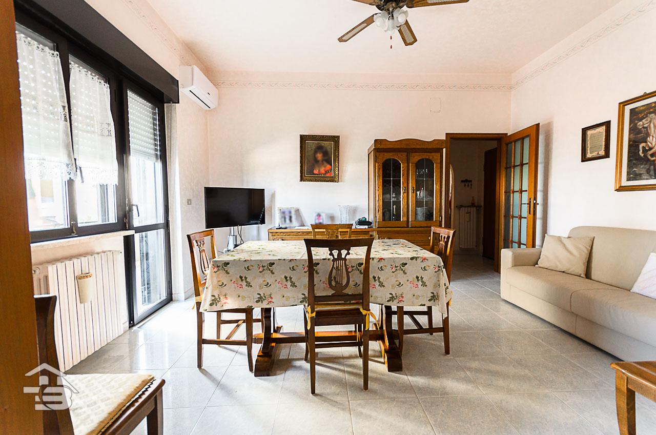 Foto 4 - Appartamento in Vendita a Manfredonia - Via Giordano e Marando