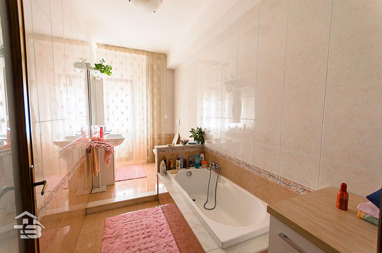 Foto 21 - Appartamento in Vendita a Manfredonia - Via di Vittorio