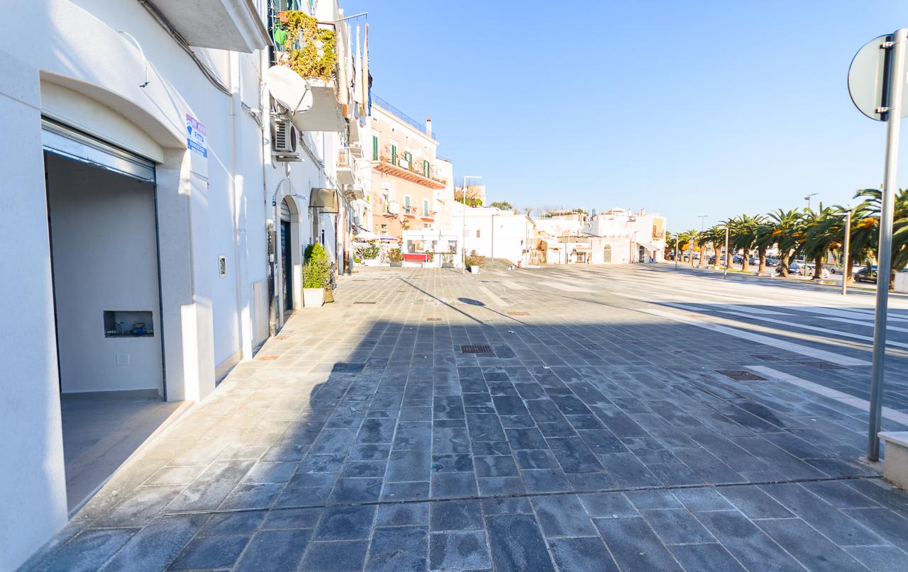 Foto 1 - Locale commerciale in Locazione a Manfredonia - Largo Diomede