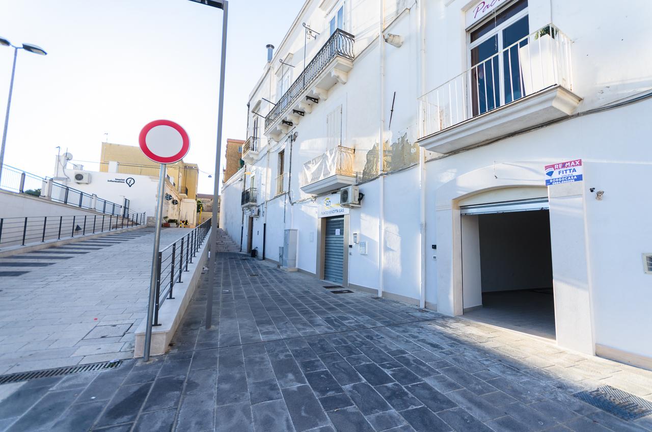 Foto 5 - Locale commerciale in Locazione a Manfredonia - Largo Diomede