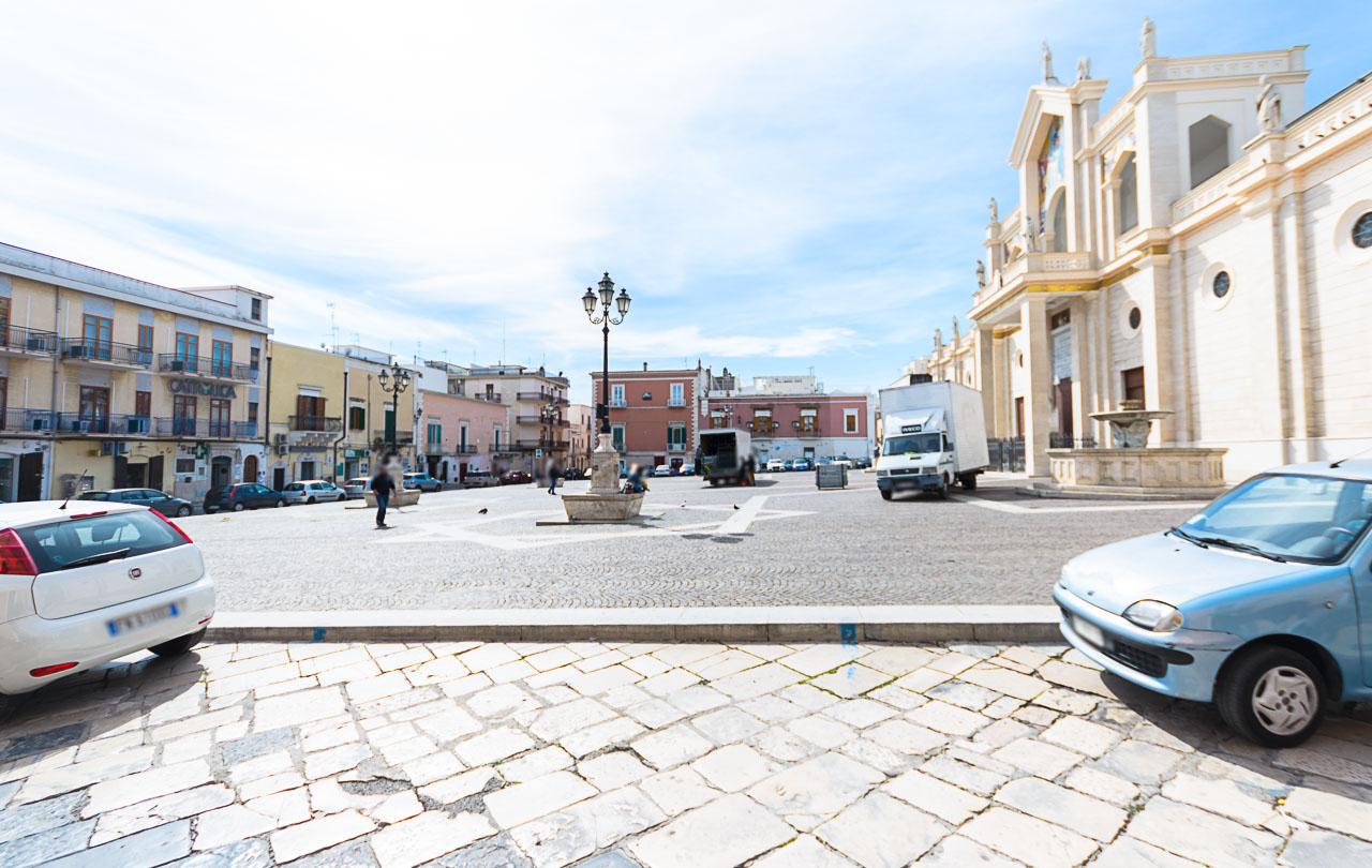 Foto 3 - Locale commerciale in Locazione a Manfredonia - Piazza Papa Giovanni XIII