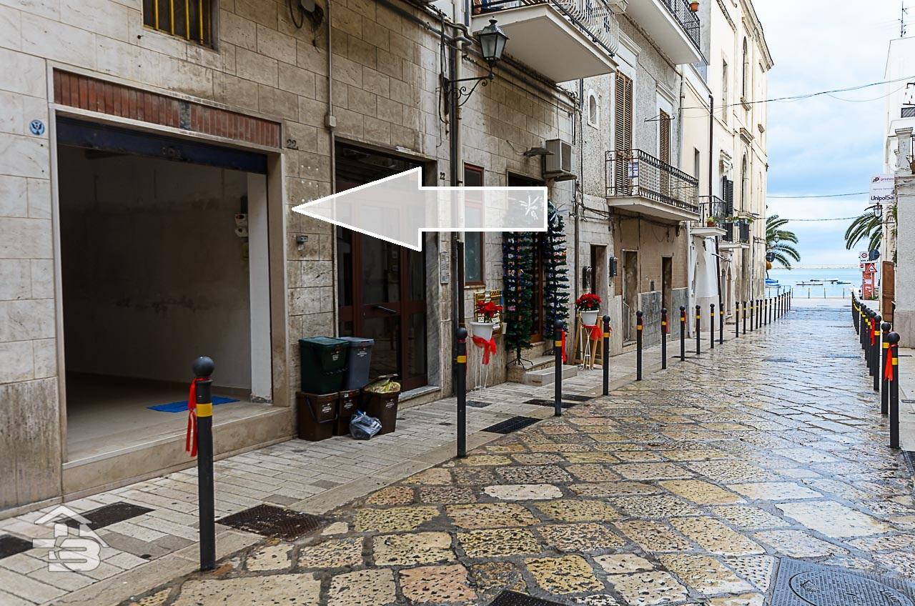 Foto 1 - Locale commerciale in Locazione a Manfredonia - Via Campanile