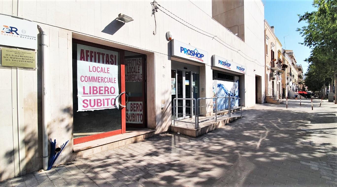 Foto 2 - Locale commerciale in Locazione a Manfredonia - Via Tribuna