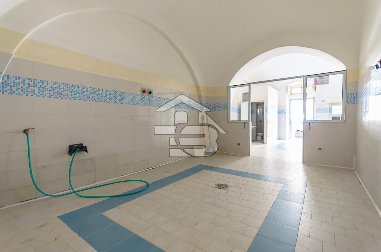 Foto 2 - Laboratorio/magazzino in Vendita a Manfredonia - Via I Maggio