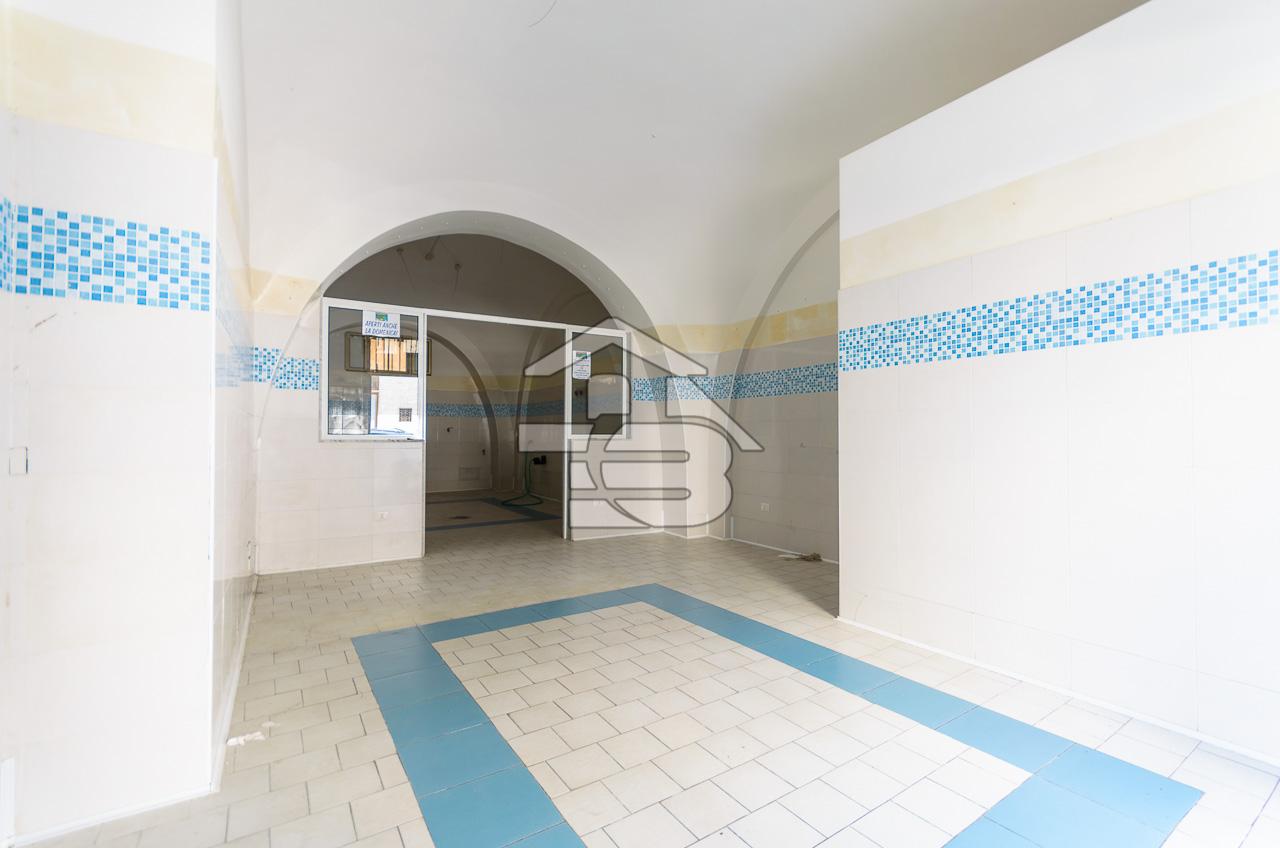 Foto 3 - Laboratorio/magazzino in Vendita a Manfredonia - Via I Maggio
