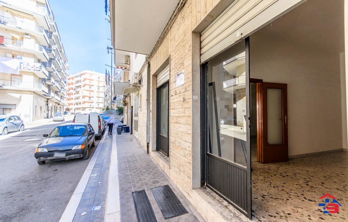 Foto 11 - Laboratorio/magazzino in Vendita a Manfredonia - Via Petrarca