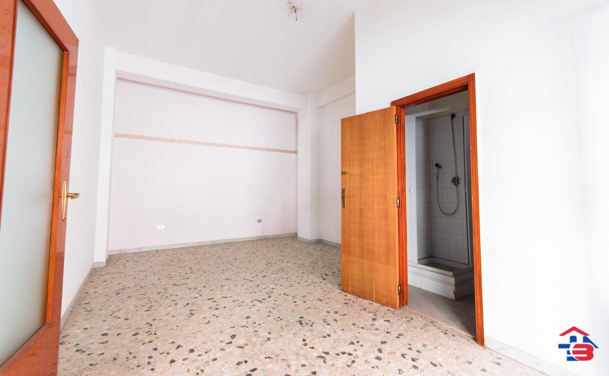 Foto 3 - Laboratorio/magazzino in Vendita a Manfredonia - Via Petrarca