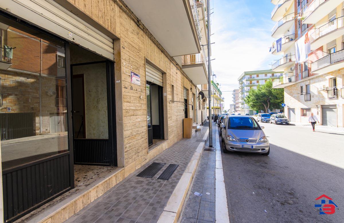 Foto 10 - Laboratorio/magazzino in Vendita a Manfredonia - Via Petrarca