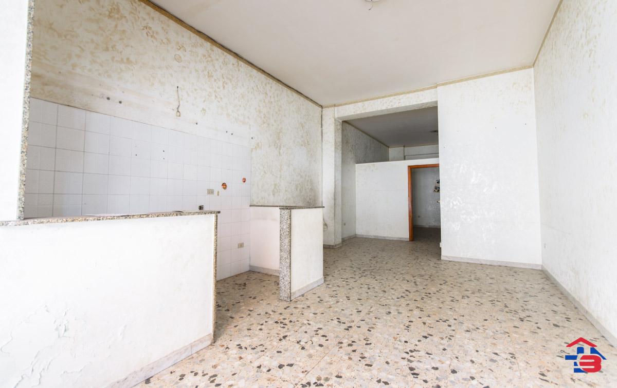 Foto 2 - Laboratorio/magazzino in Vendita a Manfredonia - Via Petrarca