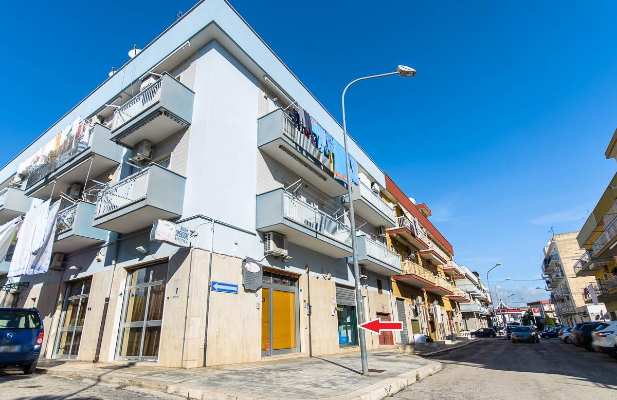 Foto 2 - Locale commerciale in Locazione a Manfredonia - Via Raffaele Basso