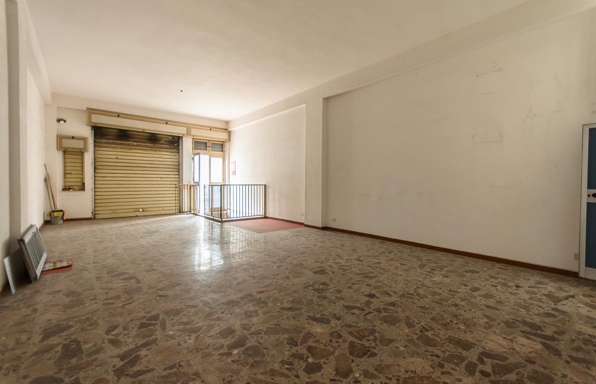 Foto 2 - Laboratorio/magazzino in Vendita a Manfredonia - Via Carlo Frattarolo