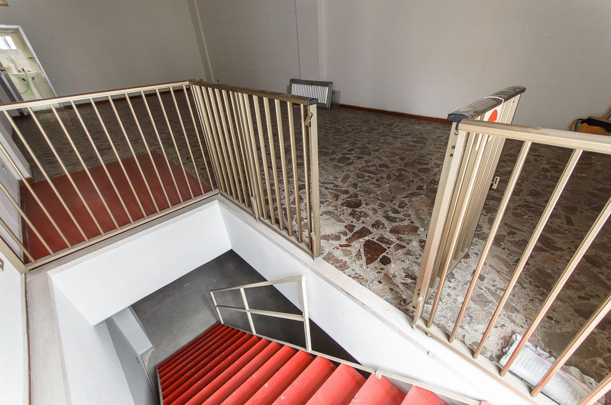 Foto 4 - Laboratorio/magazzino in Vendita a Manfredonia - Via Carlo Frattarolo