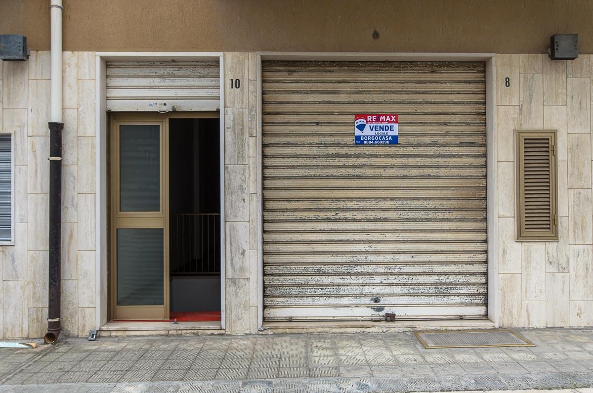 Foto 8 - Laboratorio/magazzino in Vendita a Manfredonia - Via Carlo Frattarolo