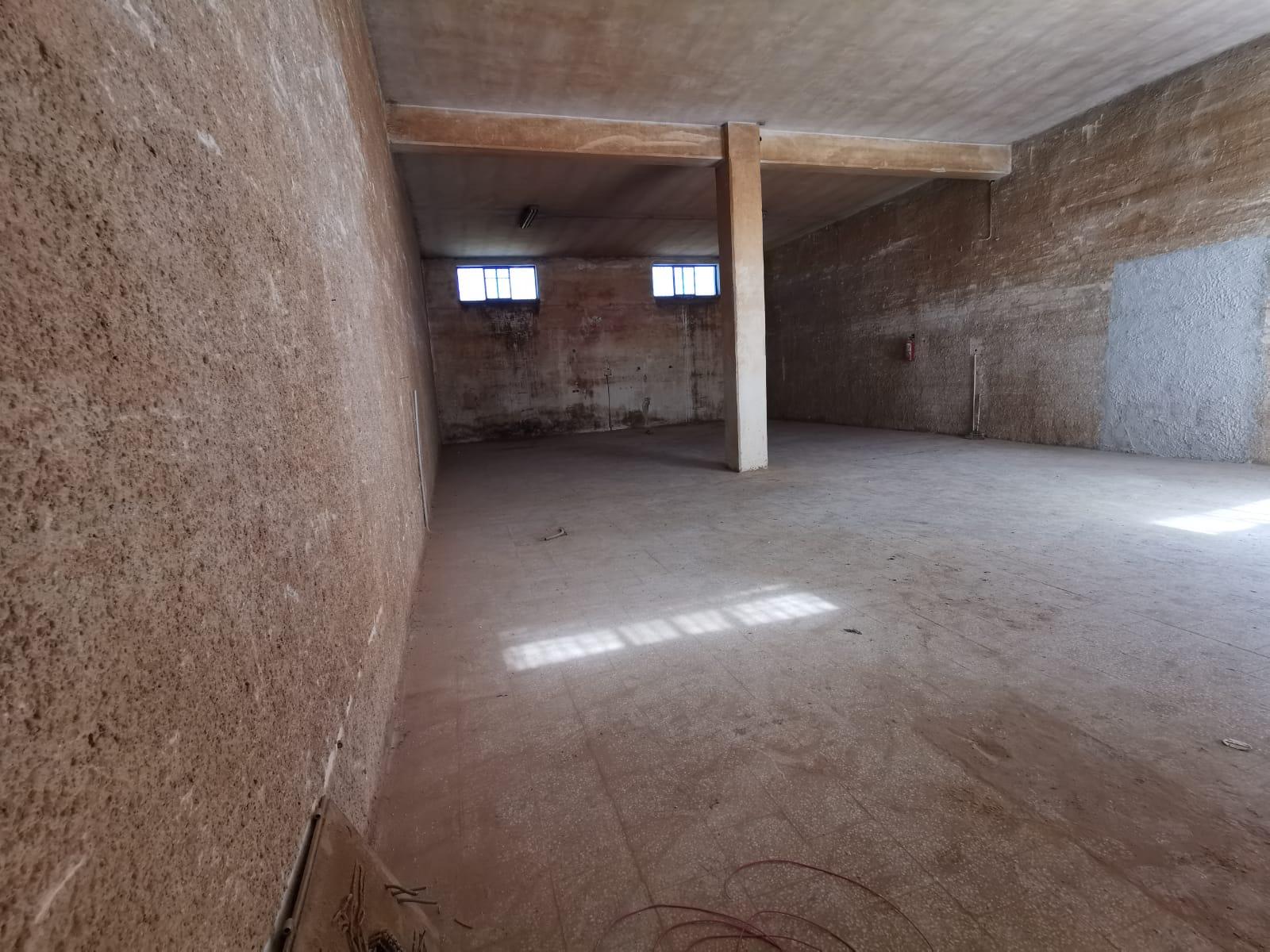 Foto 2 - Laboratorio/magazzino in Vendita a Manfredonia - Viale Padre Pio - Posta del Fosso