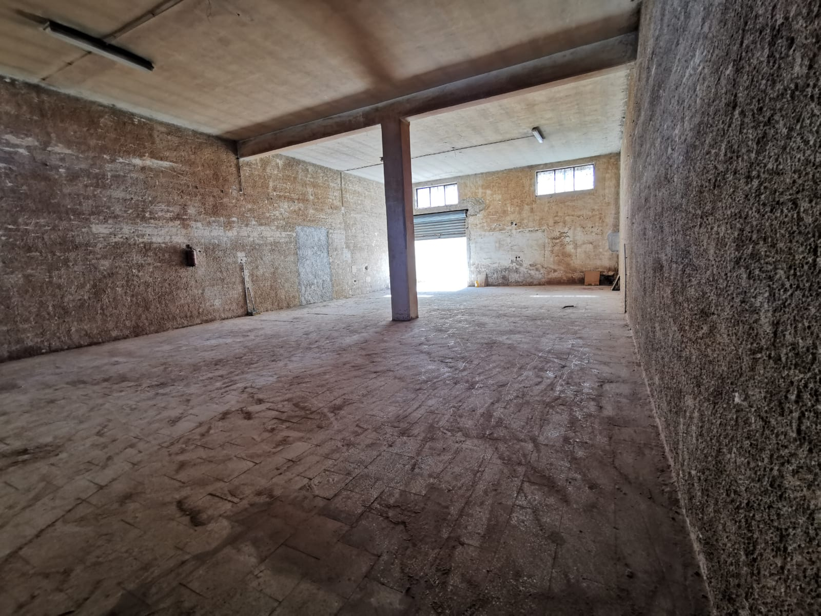 Foto 4 - Laboratorio/magazzino in Vendita a Manfredonia - Viale Padre Pio - Posta del Fosso